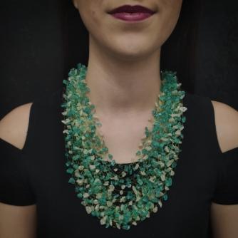 Unikatna heklana ogrlica, zeleno i bijelo murano staklo